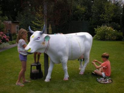 Cow in the garden 02 (Foto: Wim Molman)